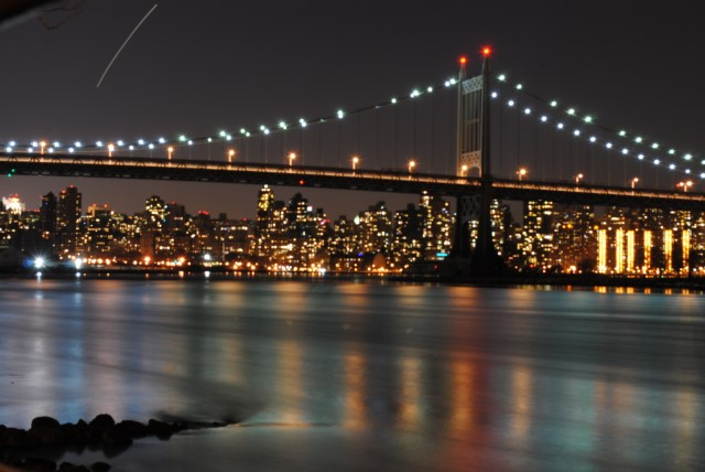 Picture of the RFK Bridge at night