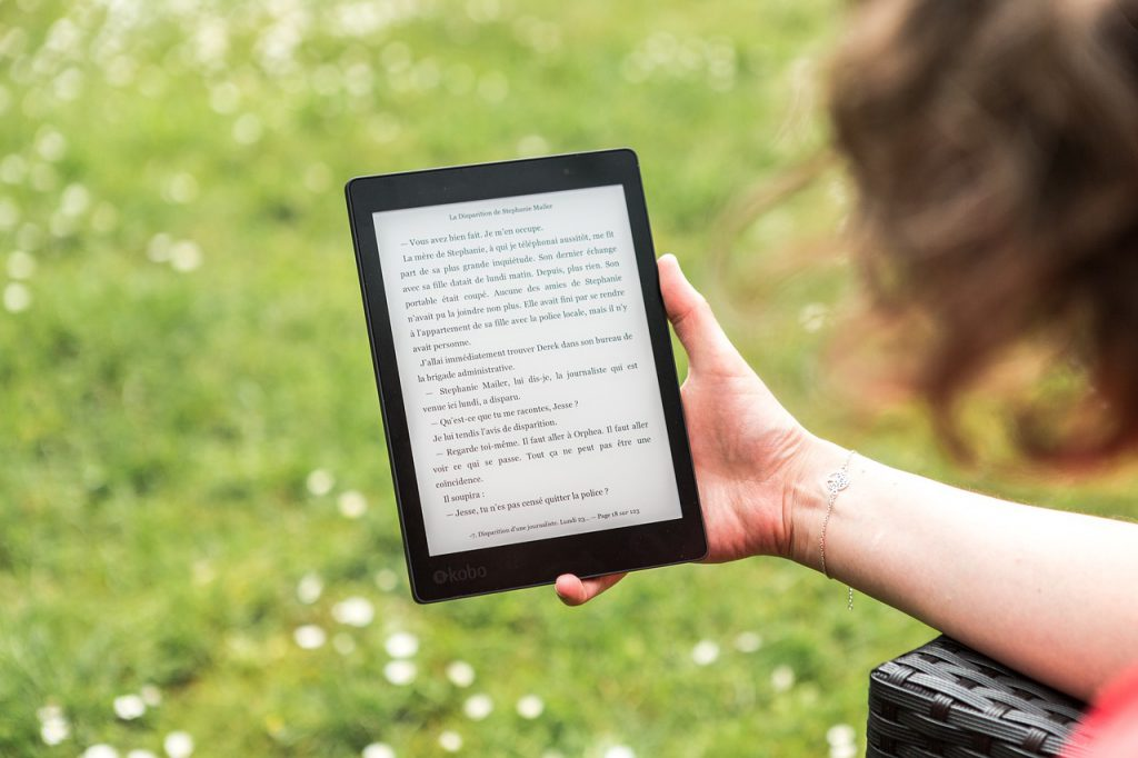 Kobo Tablet Reading Light Reading  - Perfecto_Capucine / Pixabay